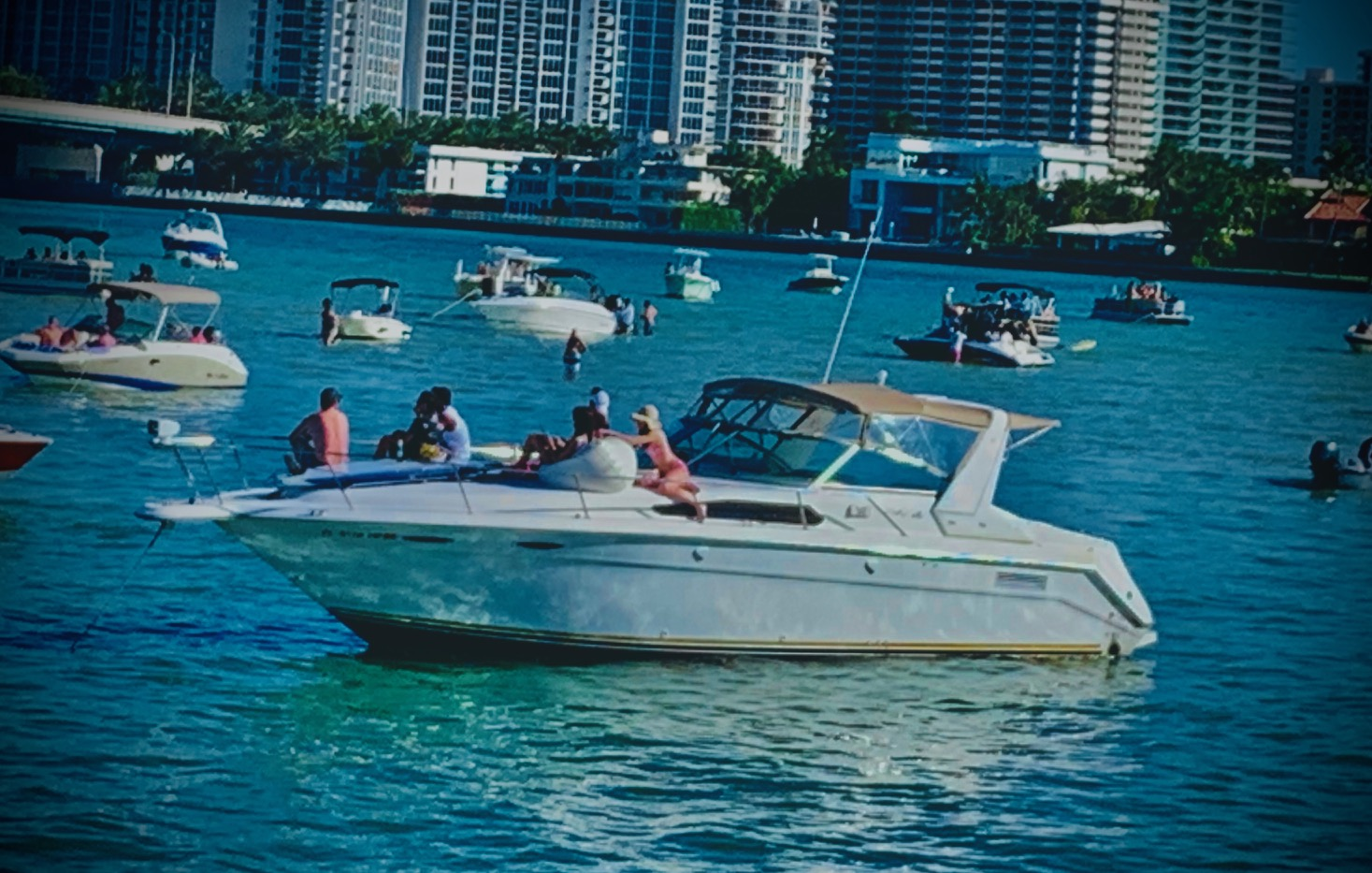 Sandbar Party Machine! boat rentals Florida MIAMI BEACH Florida  Bayliner Rendezvous 1994 26